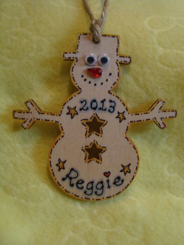 Personalised Wooden Snowman Christmas Tree Hanger Decoration Shabby Chic Any Name any Year